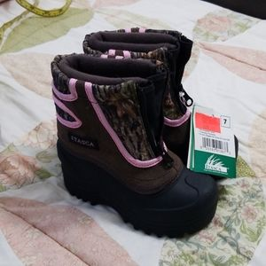 New Girls Camo Boots 7